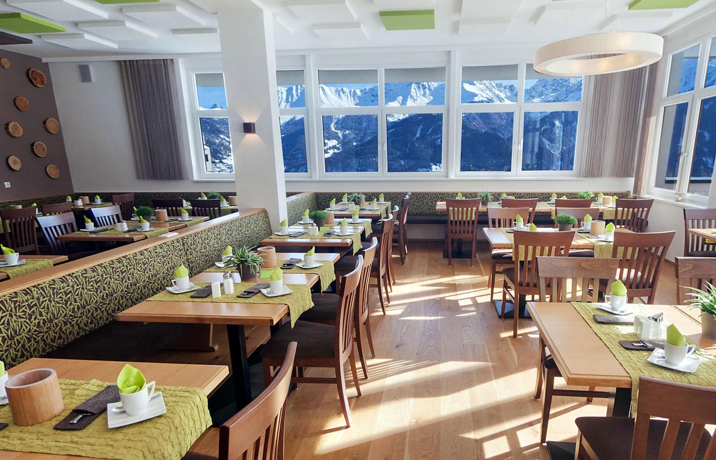 Frühstücksraum - Hotel Natürlich in Fiss, Tirol.