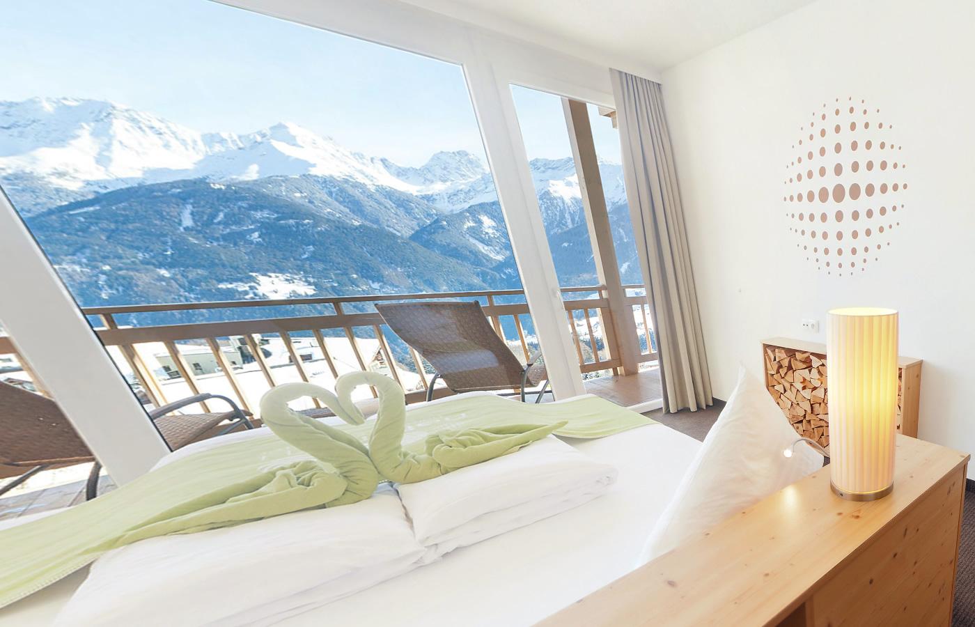 Hotel-Zimmer Aussicht. Komfortzimmer im Natürlich. Hotel in Serfaus-Fiss-Ladis.