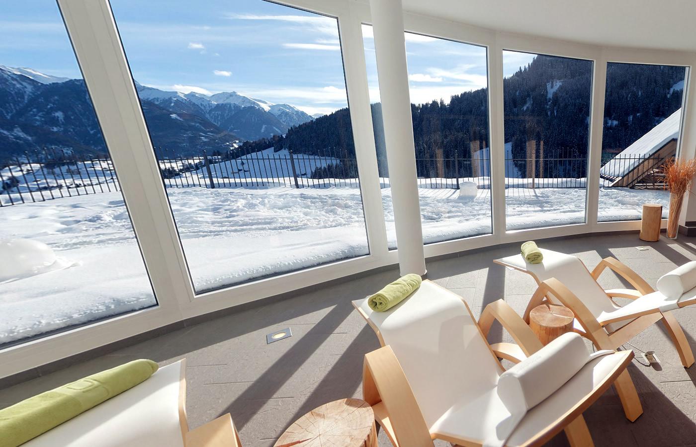 Fernblicke im Hotel Natürlich Wellnessbereich. Fiss,Tirol.