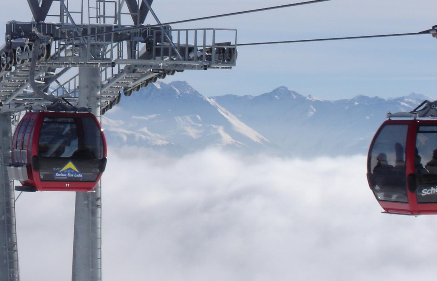 Wolkenmeer über Serfaus-Fiss-Ladis - Schönjochbahn in Fiss, Tirol.