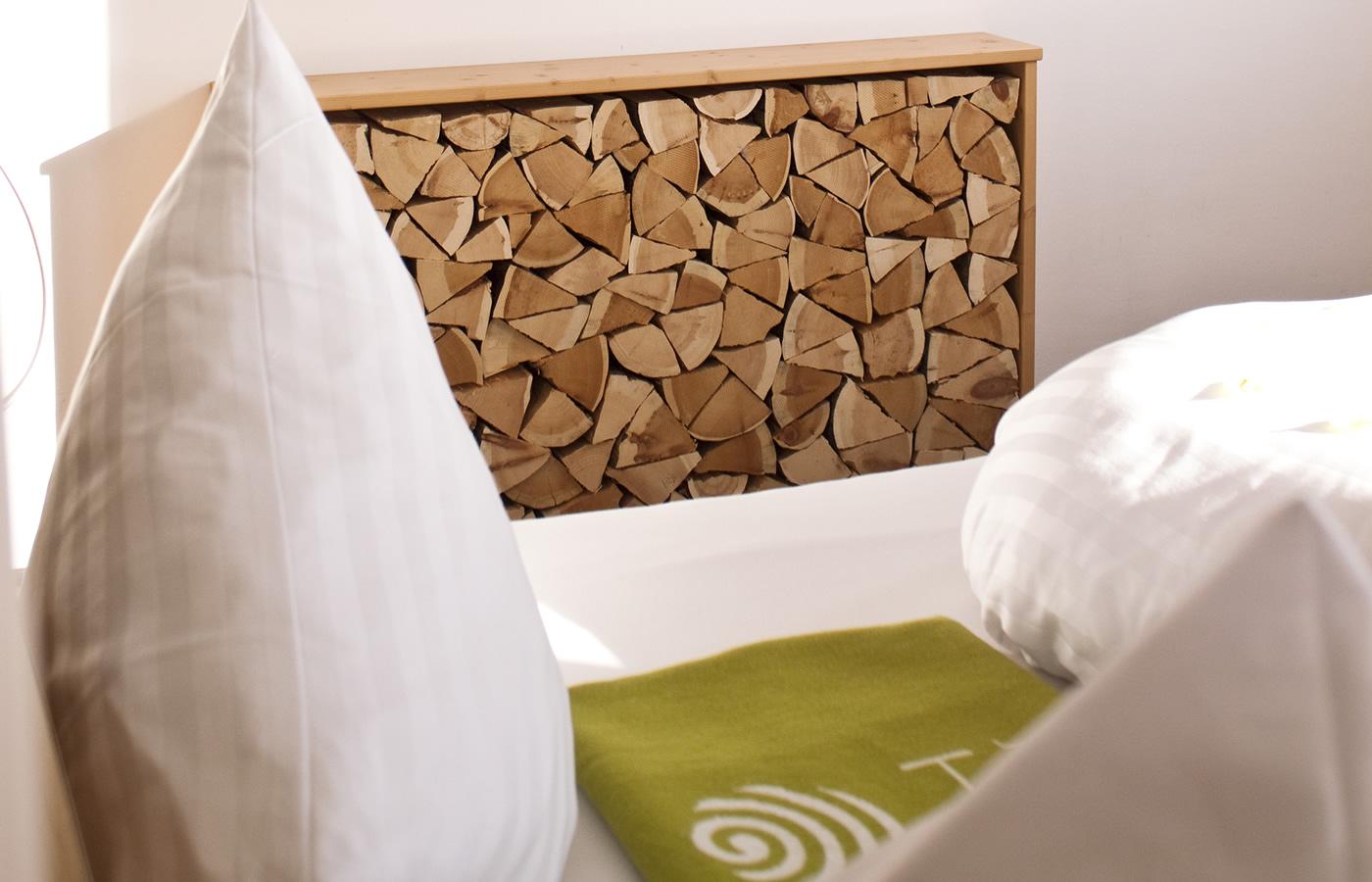 Zirbenholzlegen - Hotel Natürlich Fiss in Tirol.