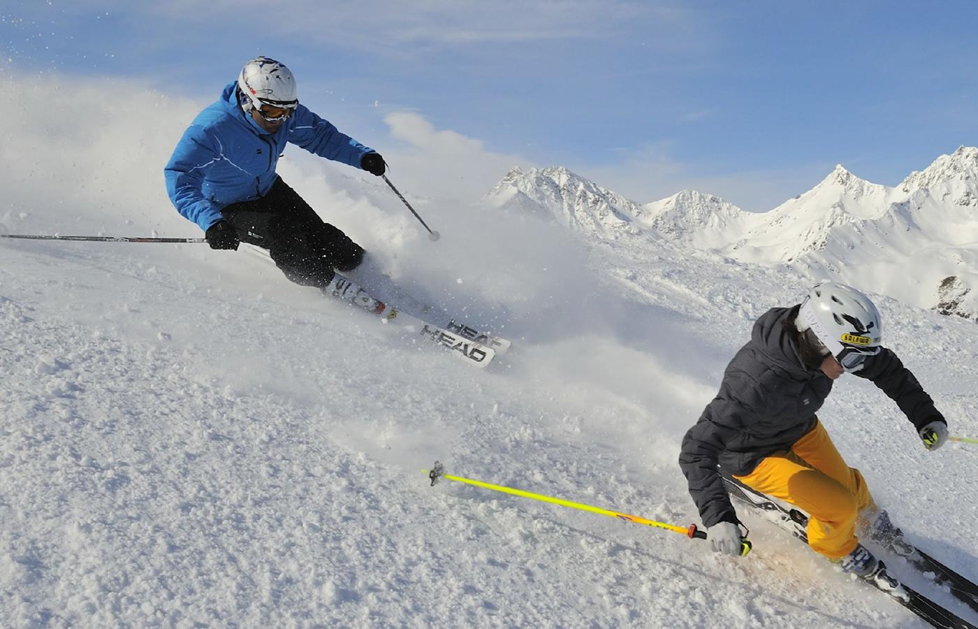 Ski fahren auf der Nordseite von Fiss. Wintertraum für Gruppen-Urlaube.