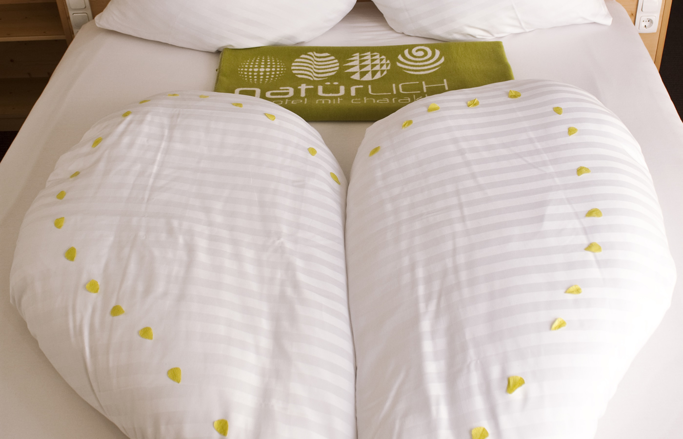 Bett in Herzform - Hotel Natürlich in Fiss.